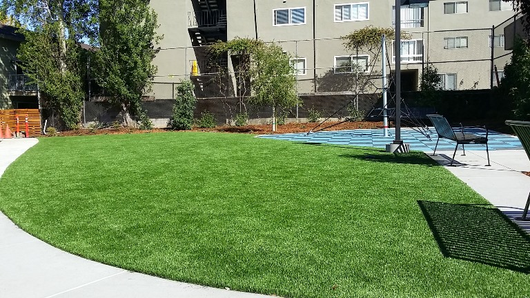 Mult synthetic turf install
