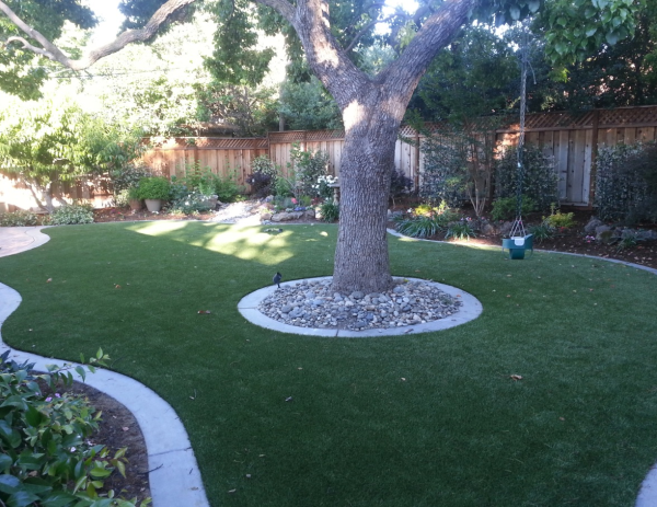 Solve landscaping issues with artificial turf