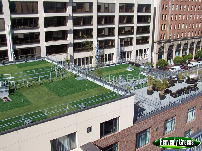 Synthetic grass for rooftops and walls