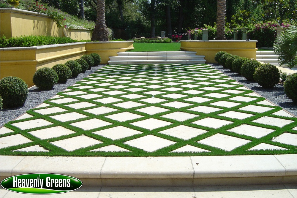 Synthetic turf for outdoor living