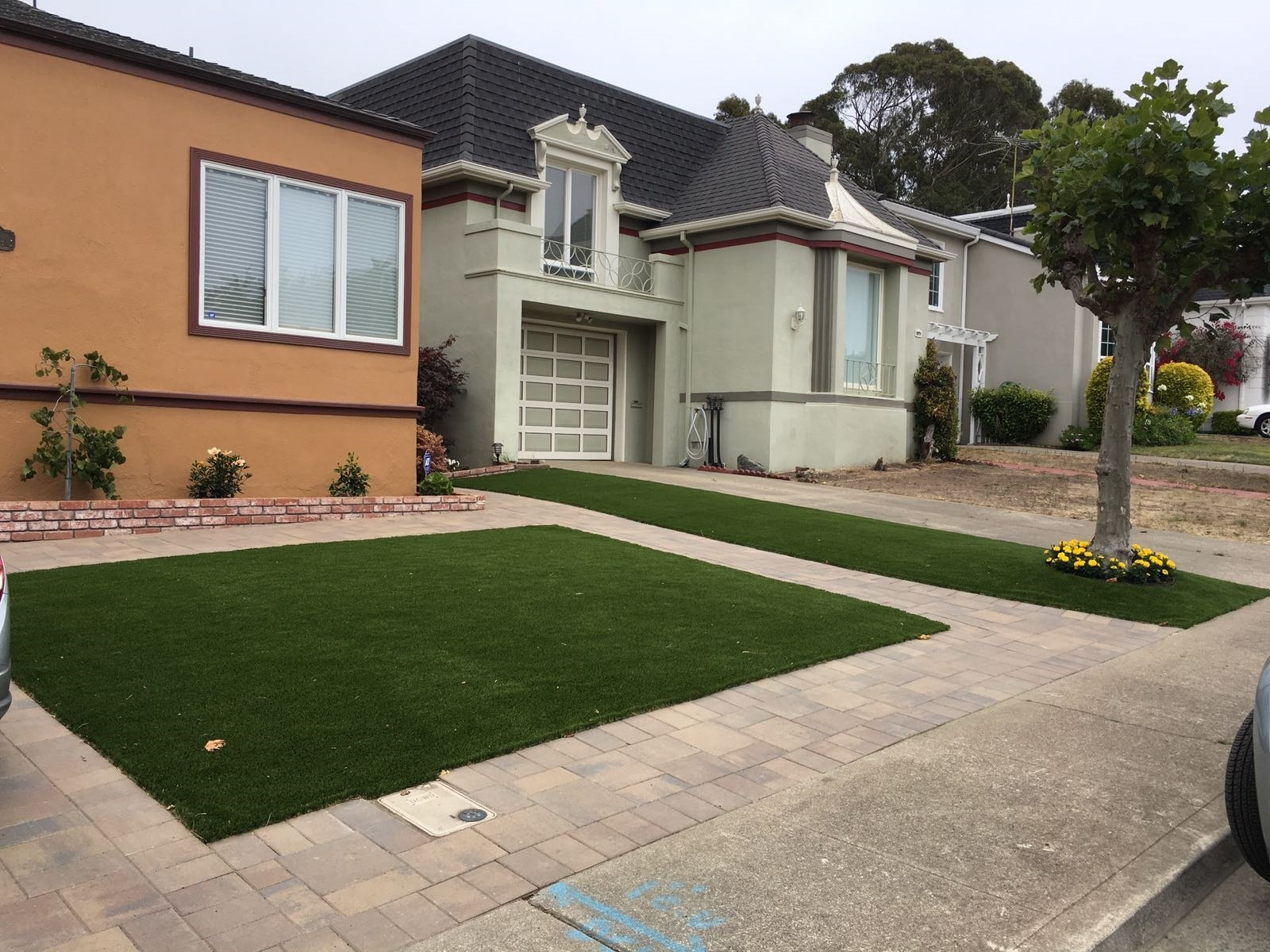 Front Yard in Daly City, California