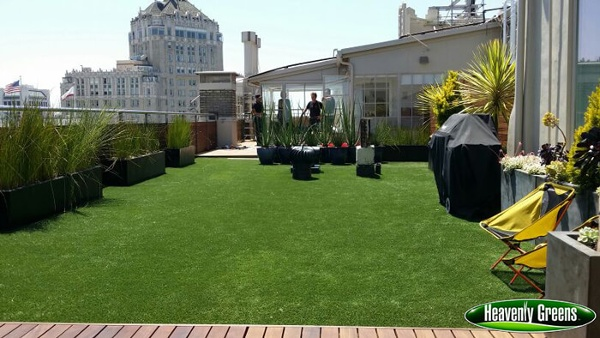 Rooftop artificial turf install
