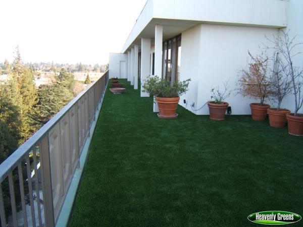 synthetic turf on patio