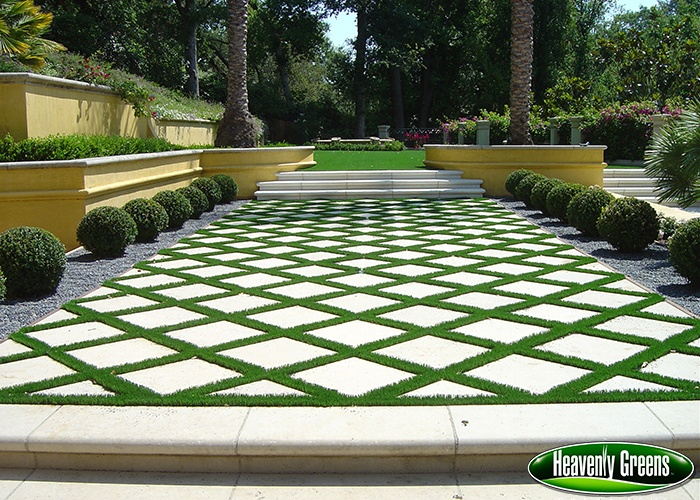 synthetic grass for patio
